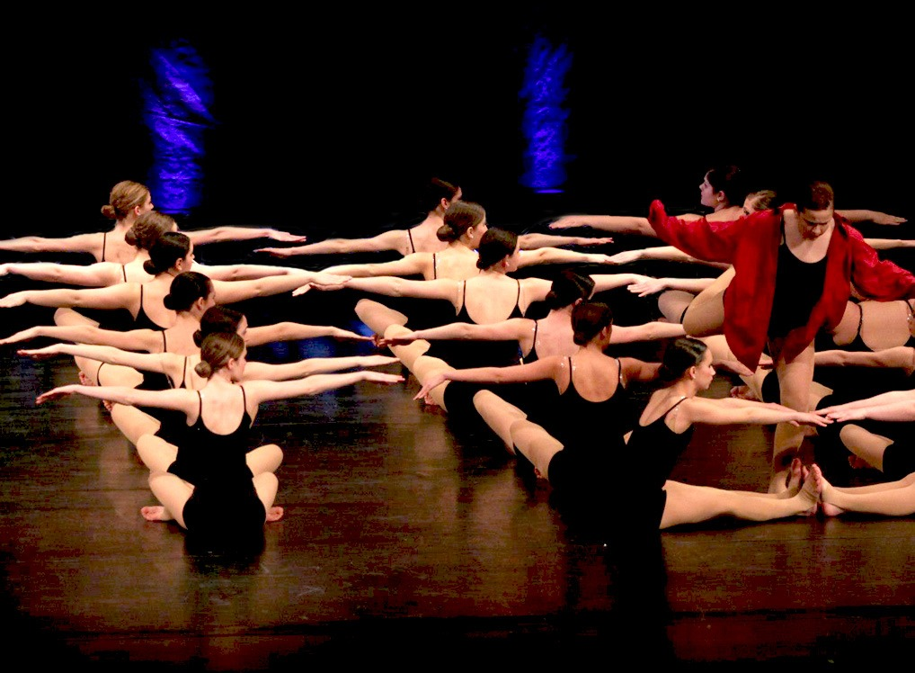 dance-school-floor-routine